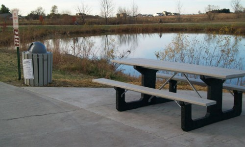 Windcrest_Plastic_Table