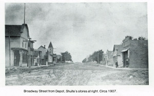 Broadway_From_Depot-1907_forWeb